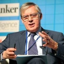 Франция обиделась на Лондон за торговлю евро