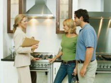 Сдаем квартиру: прибыль и риски