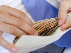 Как научиться экономить и откладывать деньги — правило 4 конвертов