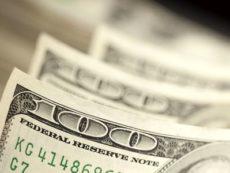 Когда стоит покупать доллары, а когда нет?