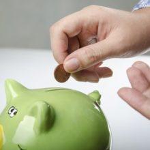 Сбережения в России стали роскошью