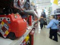 Детские вещи, недетские цены. Как сэкономить на товарах для ребенка
