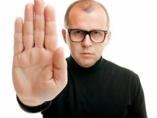 Как вежливо отказать, когда просят деньги в долг