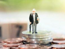 Как самостоятельно обеспечить себя пенсией: советы эксперта