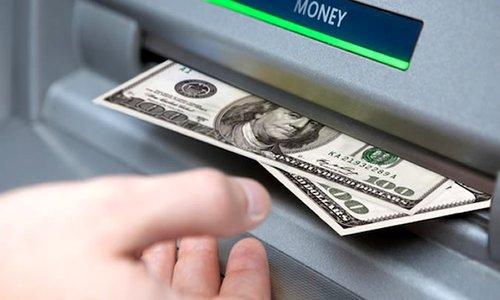Доллары в банкомате