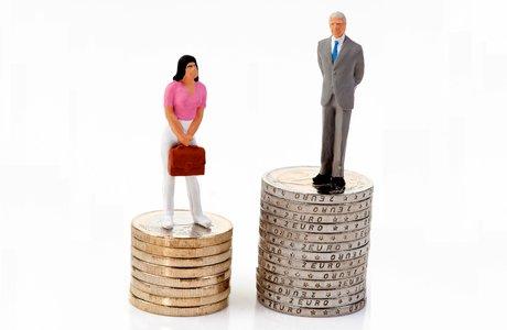 Разница в зарплатах мужчик и женщин