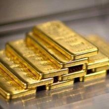 Золото нависло над ценами. Росту драгметалла мешает избыток предложения