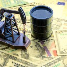 Дорожающая нефть помогла российской валюте отбросить доллар под 67-рублевую отметку
