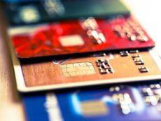 Мошенники украли более миллиарда рублей с карт россиян. Как защитить свои деньги?