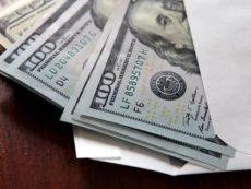 Каковы риски хранения накоплений в наличных долларах