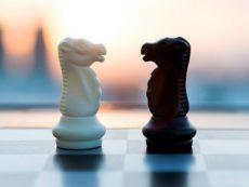 Как лучше инвестировать: покупать индексы или тщательно выбирать акции?