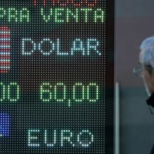 Рубль и валюты развивающихся стран ослабли после праймериз в Аргентине