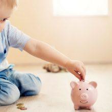 Как научить ребенка управлять деньгами: 7 основных навыков к 18 годам