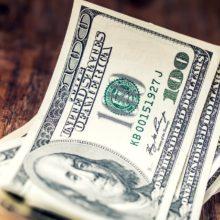 Прогнозы курса доллара в оставшиеся дни года: эксперты вновь не сошлись во мнениях